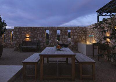 80-patio-noche